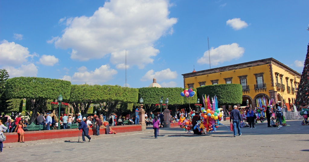 street view of the central plaza in San Miguel de Allende