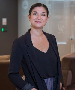 Image of Michelle Aielli standing